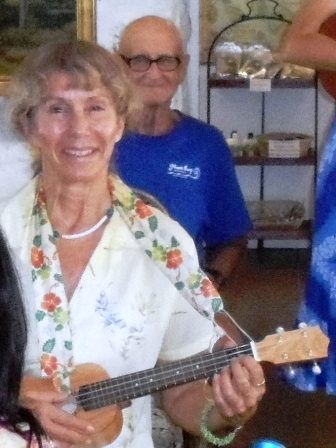Deborah takes Ukulele Mele workshop
