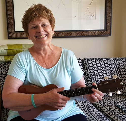 Judy takes lessons from Ukulele Mele
