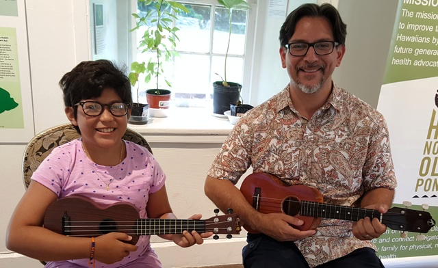 Ukulele lessons with Ukulele Mele