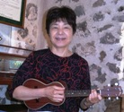 Sachi from Japan takes ukulele lesson